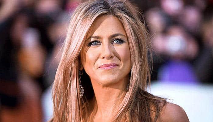 Jennifer Aniston proclaims herself No. 1 'Oscar snub'
