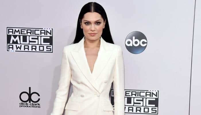 Jessie J reunites with Tom Jones for Grammy act