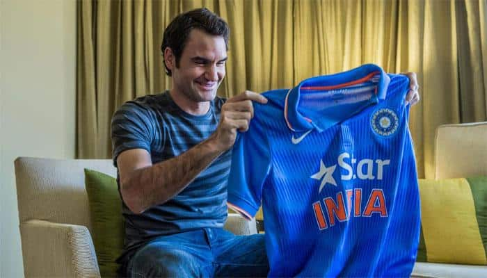 Roger Federer jumps on Indian bandwagon, flaunts team jersey