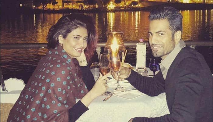 Karishma Tanna' s divine date with Upen Patel!