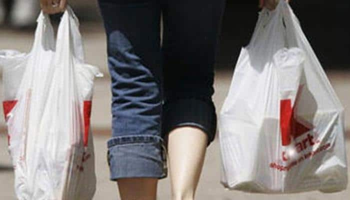 Substandard plastic bags: Centre to impose fines on street vendors