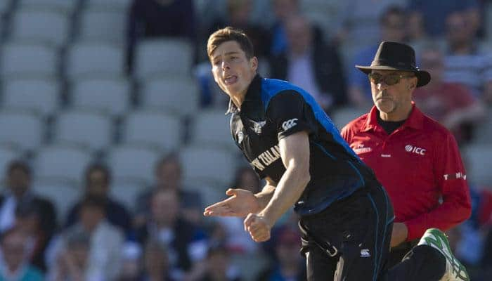 Mitchell Santner, Grant Elliott earn NZ central contracts