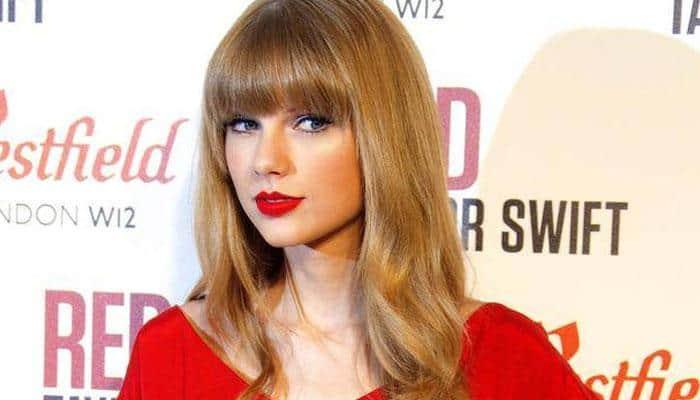 'Godmother' Taylor Swift meets Jaime King's newborn