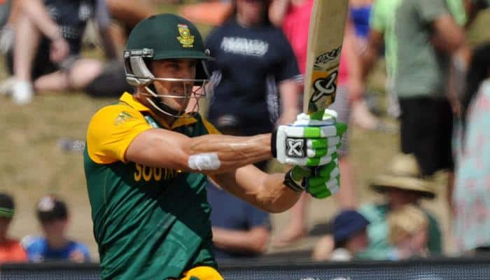 Injured Faf du Plessis out for at least four weeks