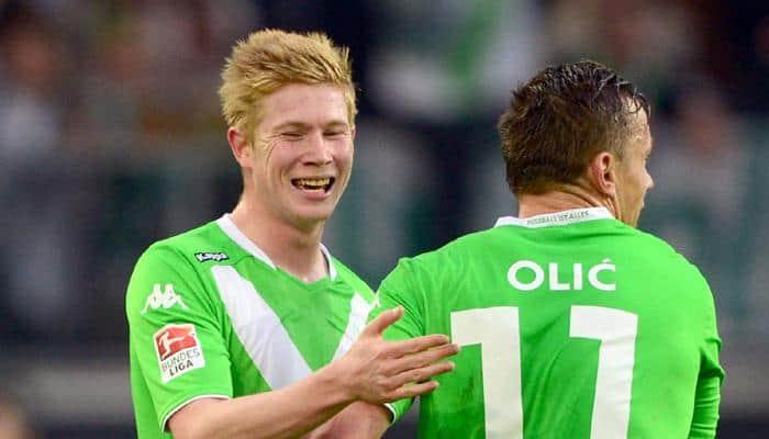Wolfsburg`s Kevin de Bruyne jets off to Manchester