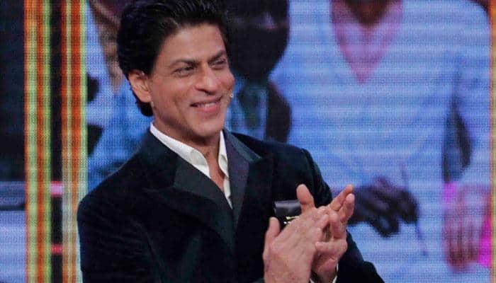 Shah Rukh Khan wishes 'Eid Mubarak'!