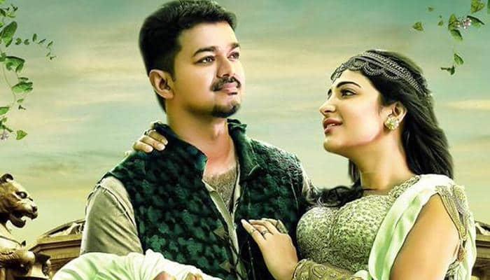 Illayathalapathy Vijay watches 'Puli' with family, friends