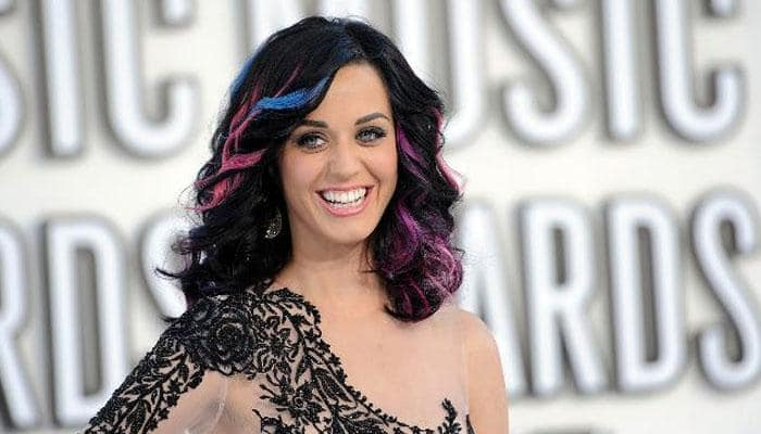 Katy Perry gets groped, kissed by fan onstage