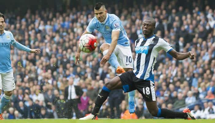 Manchester City coach Manuel Pellegrini cautions Sergio Aguero about his fitness