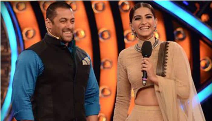 'Bigg Boss' season 9: Star studded elimination episode with Salman Khan!
