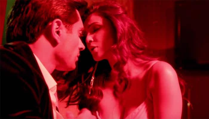 'Hate Story 3': Daisy Shah's 'oomph' beyond bounds in new song 'Tu isaq mera'