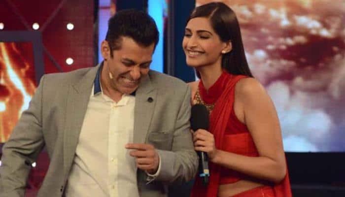 Salman, Sonam promote khadi, laud 'Huts To High Street' concept