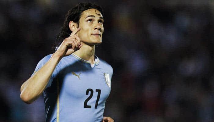 Edinson Cavani, Gonzalo Jara in face-off in soccer World Cup qualifier