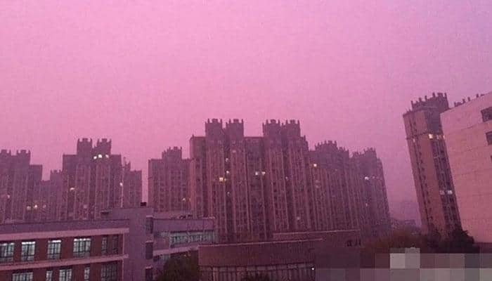 Purple haze over Chinese city puzzles residents