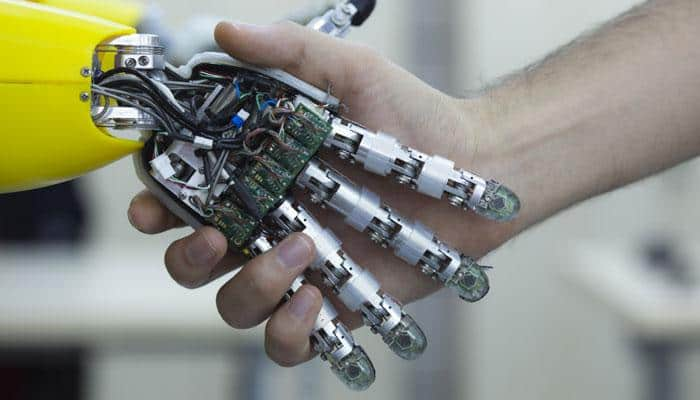 Robotic fingers to pick fragile objects with a gentle touch