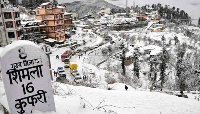 Snowfall, rains in parts of North India, day temperature drops