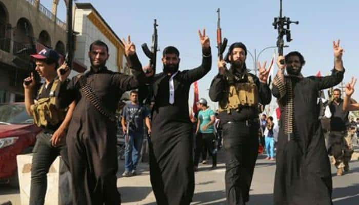 'Islamic State losing fighters to rival terror groups after pay cuts'