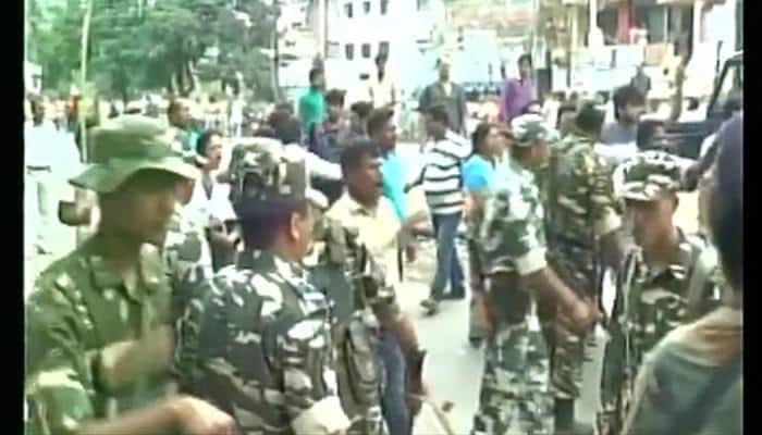 WATCH: Clash between CPI(M), TMC workers outside Malda booth during West Bengal Assembly elections