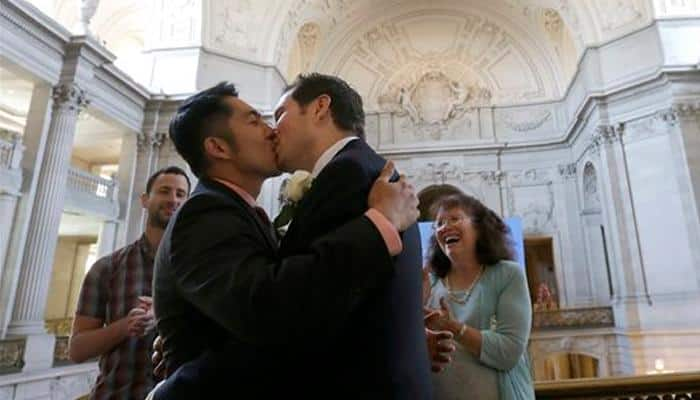 Mexico leader proposes legalizing gay marriage nationwide