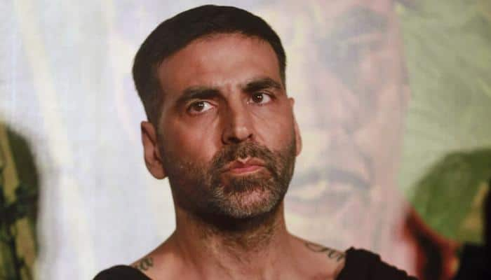 Akshay Kumar to ditch his macho image, play gay character in 'Dishoom'?