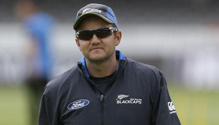 New Zealand coach Mike Hesson extends contract until 2019