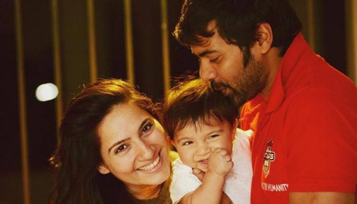 Shabbir Ahluwalia's romance locked dinner date with wife Kanchi Kaul – See pic