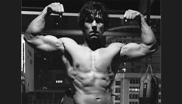 Toned abs and strong back! Here's the perfect recipe of Randeep Hooda's fit body – View pics