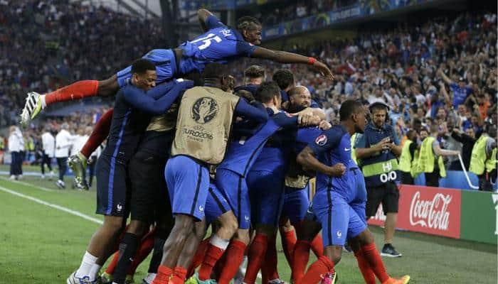 UEFA Euro 2016: France beat Albania to reach last 16 as Antoine Griezmann, Dmitri Payet score