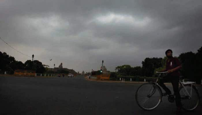 Humidity stifles Delhi, Rajasthan; monsoon gains pace in central India