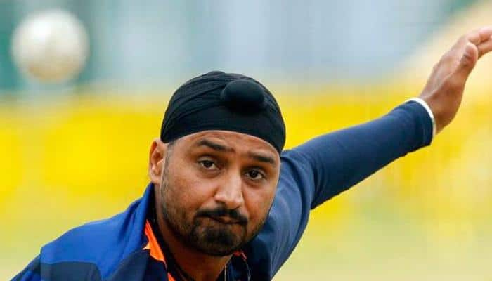 HILARIOUS! Harbhajan Singh posts EDITED picture of Indian cricketers – Pic inside!