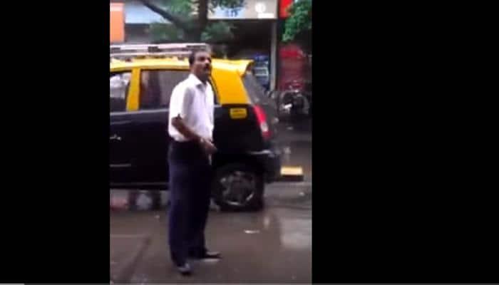 Ridiculously funny video: Man shows his dance moves in middle of busy Mumbai street - Watch