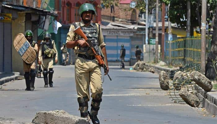 Kashmir unrest: Civilian killed in fresh clash in Kashmir, death toll  reaches 50 | Jammu and Kashmir News | Zee News