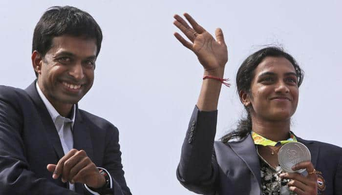Grand welcome back home: PV Sindhu, Pullela Gopichand thank Telangana government for wonderful reception