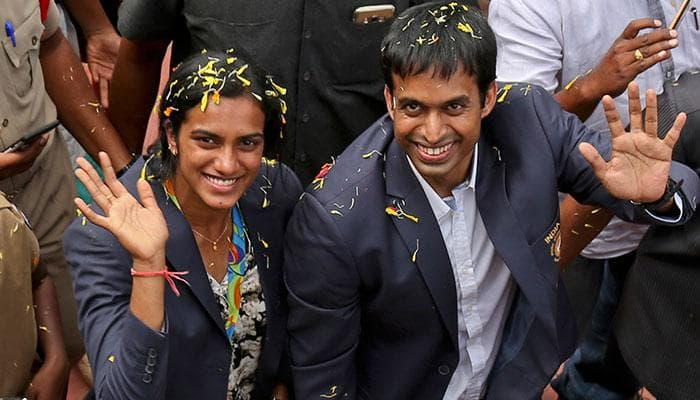 Rio medallist PV Sindhu arrives in Hyderabad