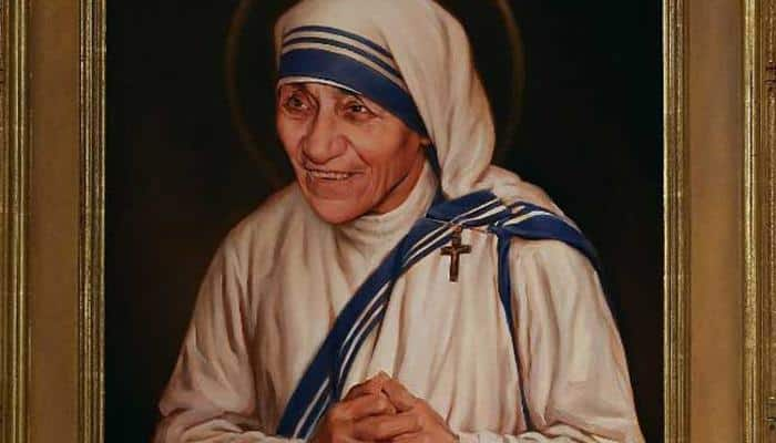 Mother Teresa to be declared a saint by Pope Francis today