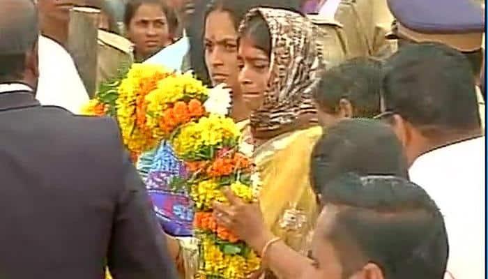 Uri attack: Martyr Chandrakant Galande cremated with full military honours amid cries of 'Bharat Mata Ki Jai' - SALUTE!
