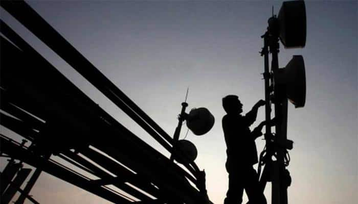 Spectrum auction ends with bids worth Rs 65,789 crore, 60% of airwaves unsold
