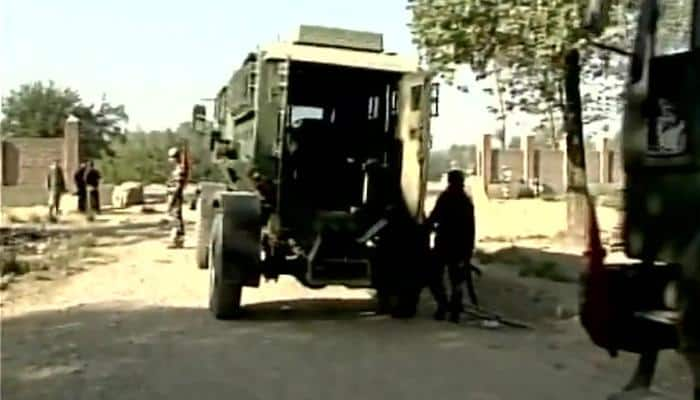 Pampore attack: Heavy gun battle between security forces and guerrillas; one militant killed