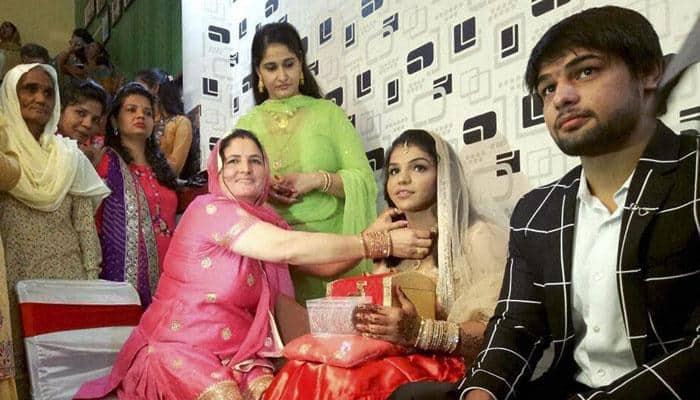 Sakshi Malik, India's bronze medalist at Rio Olympics 2016, gets engaged to wrestler boyfriend Satyawart Kadian