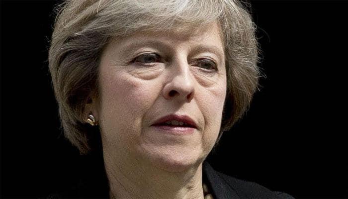 UK PM Theresa May defies critics to back new $22 billion Heathrow runway