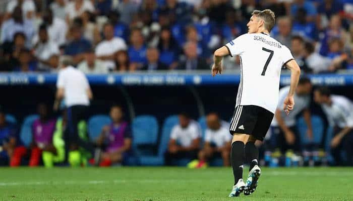 Manchester United end former Germany midfielder Bastian Schweinsteiger's exile