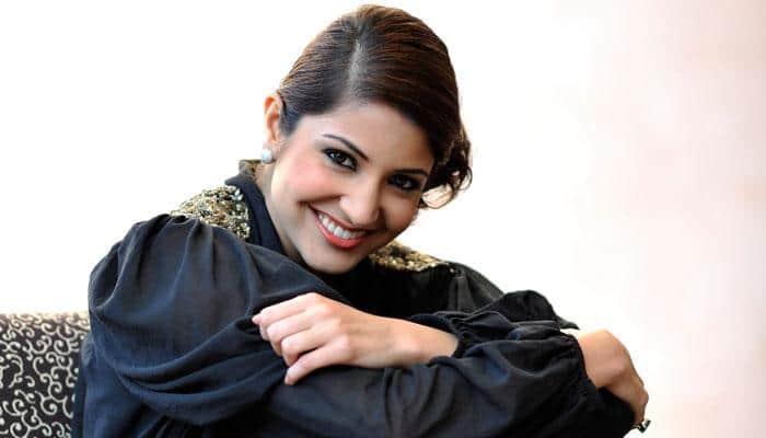 Shah Rukh Khan not my back slapping buddy, says Anushka Sharma
