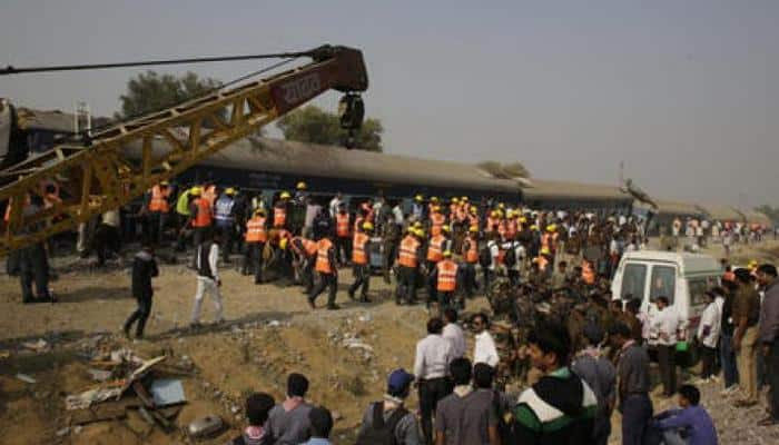 Over 115 killed as 14 coaches of Indore-Patna Express derail