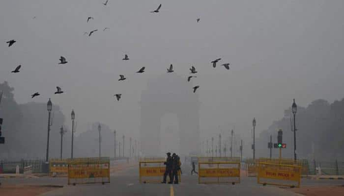 Thick fog engulfs Delhi-NCR, rail, road, air traffic hit