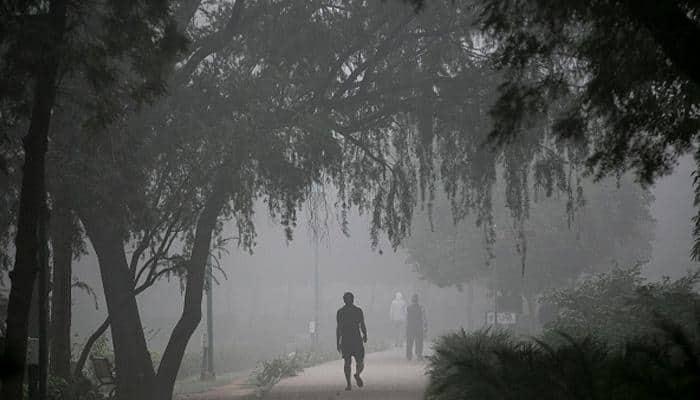 Dense fog in Delhi; train operations hit badly – Details here