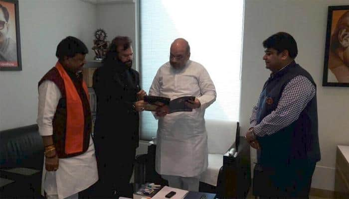 Punjabi singer Hans Raj Hans quits Congress, joins BJP, calls PM Modi 'babbar sher'
