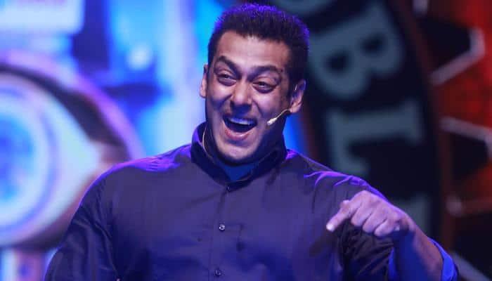 Bigg Boss season 10: Salman Khan blasts Swami Om; Sahil Anand evicted!