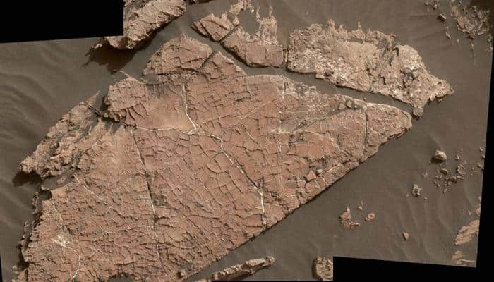 Cracked mud on Mars - Latest images from NASA's Curiosity rover reveal new evidence of water (See pic)