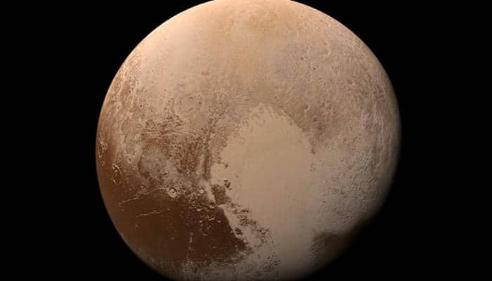 Amazing NASA video offers a trip down onto the surface of Pluto - Watch