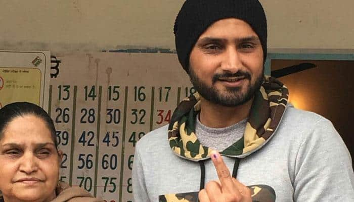 Punjab Polls: Harbhajan Singh casts his vote, calls on public to vote free of ''external pressure''
